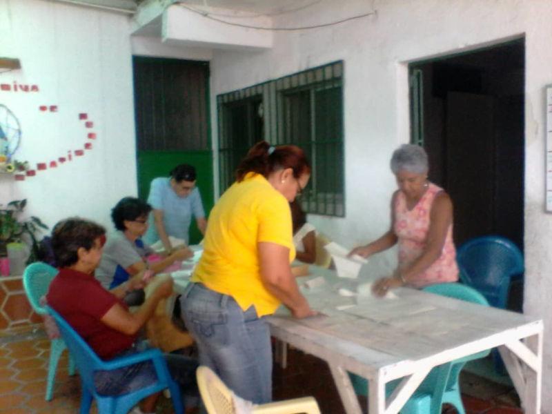 Apoyando la organización y actividades del barrio