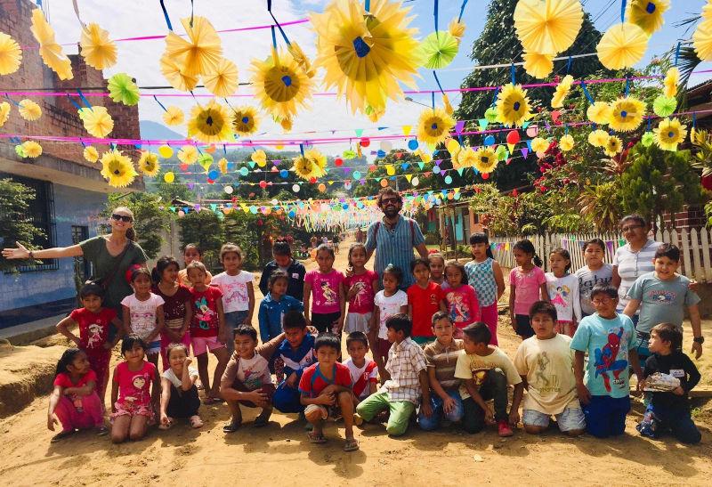 Nous continuons donner les étapes à la participation au centre culturel de la Compassion